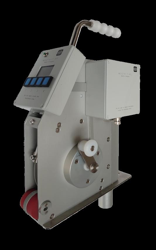 Kézi működtetésű hordozható tartályszintmérő műszer